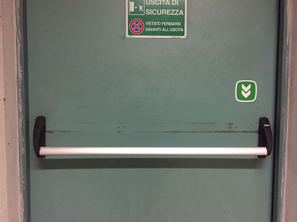 Affordance di una porta antincendio